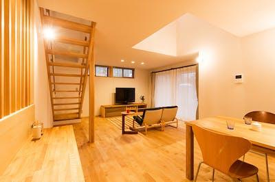 新潟県・個人住宅 カバザクラ・ユニ フローリング(ナチュラルグレード) 施工事例