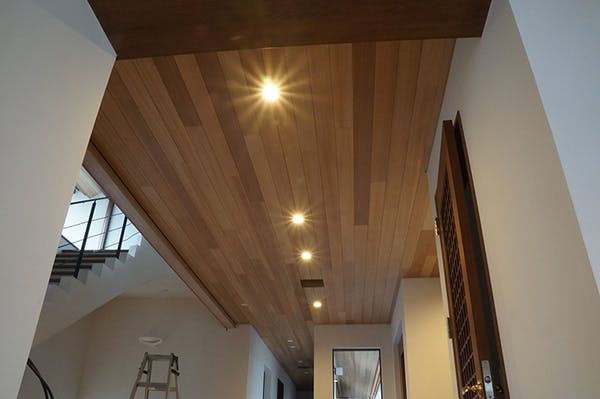 人気の木材 無垢羽目板でワンランクアップ
