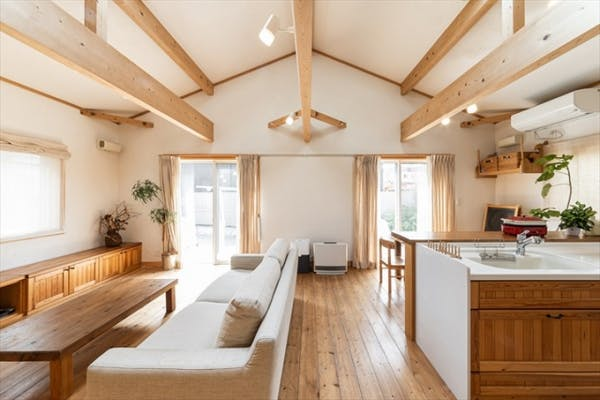 無垢材を使った天然素材の家