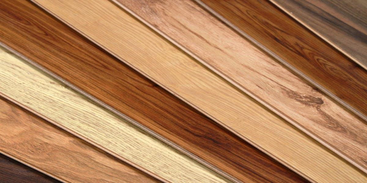 天然木材のバナー
